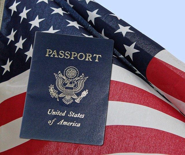 מי זכאי לדרכון אמריקאי?