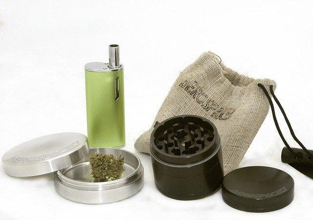 מגריינדרים ועד לגליזציה: איך לתכנן טיול למעשנים?